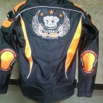 Jaket touring motor sport yang keren dan elegan