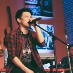 Ariel Alias Nazril Irham Vokalis Band NOAH Sedang Bernyanyi Profil Biodata Ariel NOAH